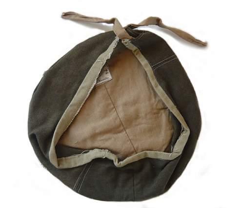 Click image for larger version.  Name:woollen-beret-australian-ww[1].jpg Views:42 Size:39.4 KB ID:281955