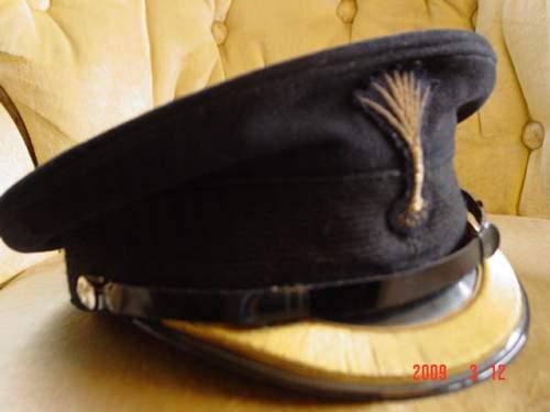 grenadier guards cap badge