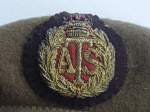 Click image for larger version.  Name:ATS Officers beret 002.jpg Views:146 Size:238.7 KB ID:33482