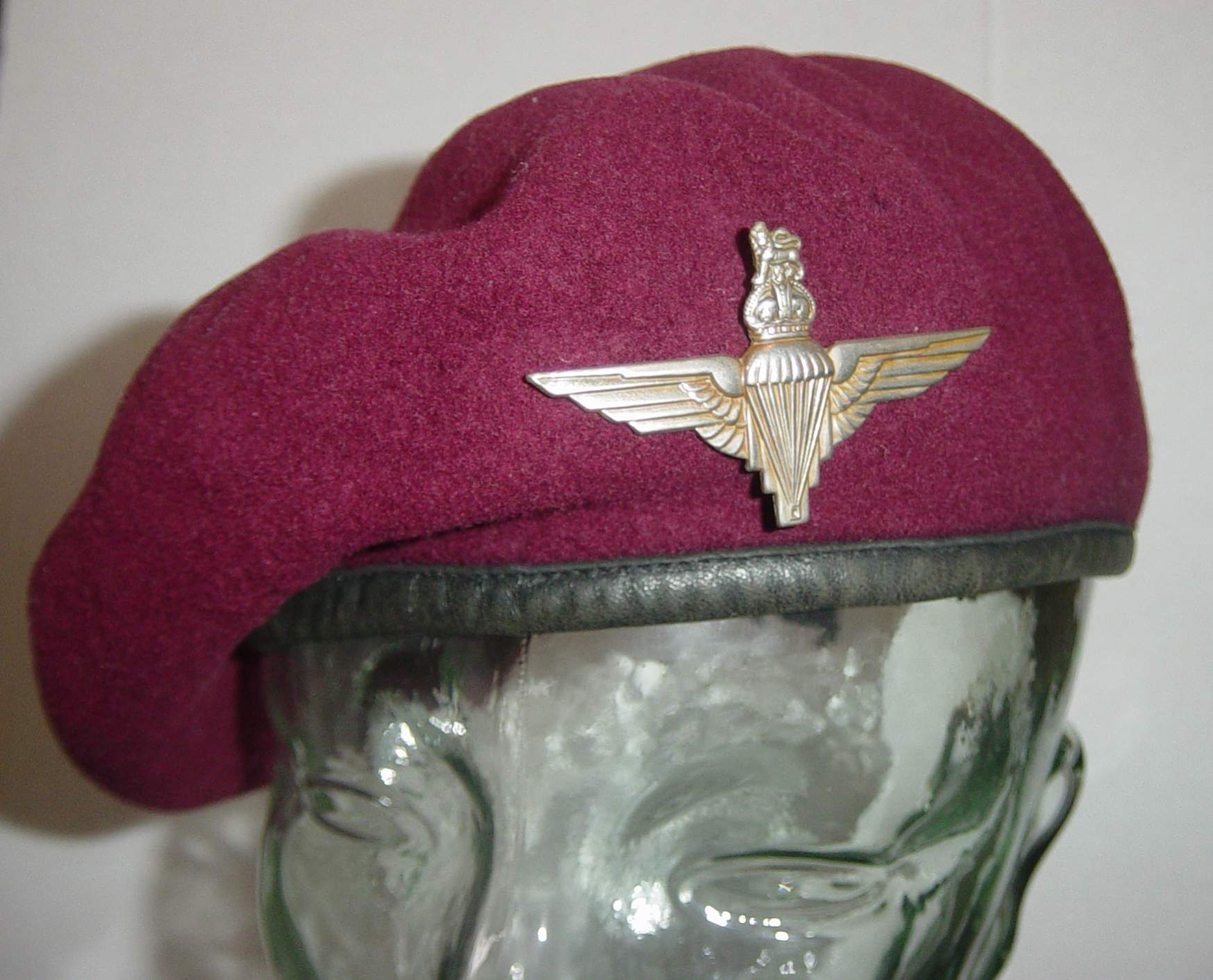 military red beret used 3d 3ds  |Red Beret