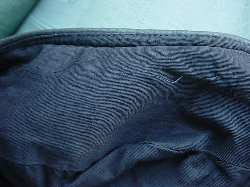 Click image for larger version.  Name:Red Beret stitch detail 001.jpg Views:366 Size:244.2 KB ID:34098