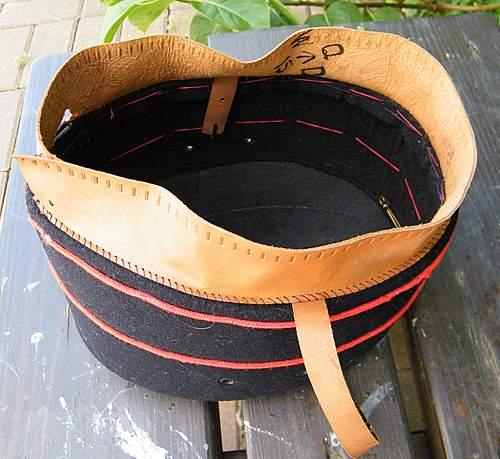 Click image for larger version.  Name:8th Gurkha pb hat 1.jpg Views:122 Size:188.0 KB ID:363772