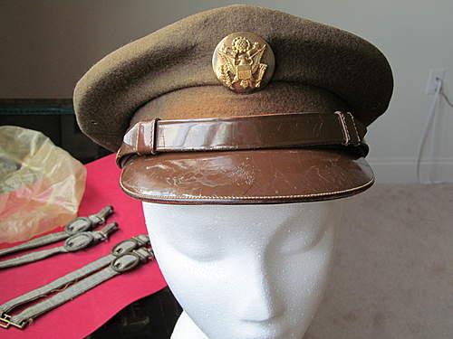 "Great ""id"" inside em visor cap"