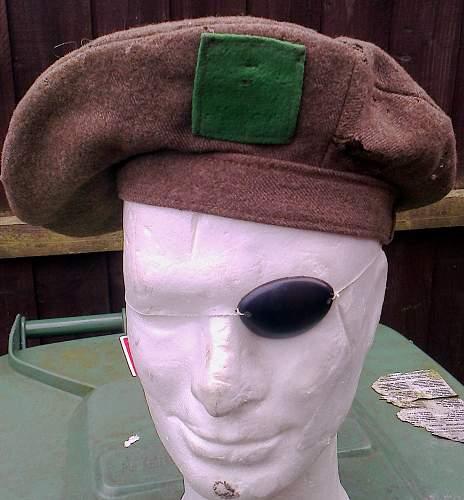 1940 Tam O'shanter cap badge backing colour