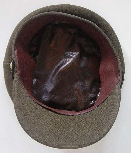 Click image for larger version.  Name:REME officers service dress cap 001.jpg Views:238 Size:224.3 KB ID:60571
