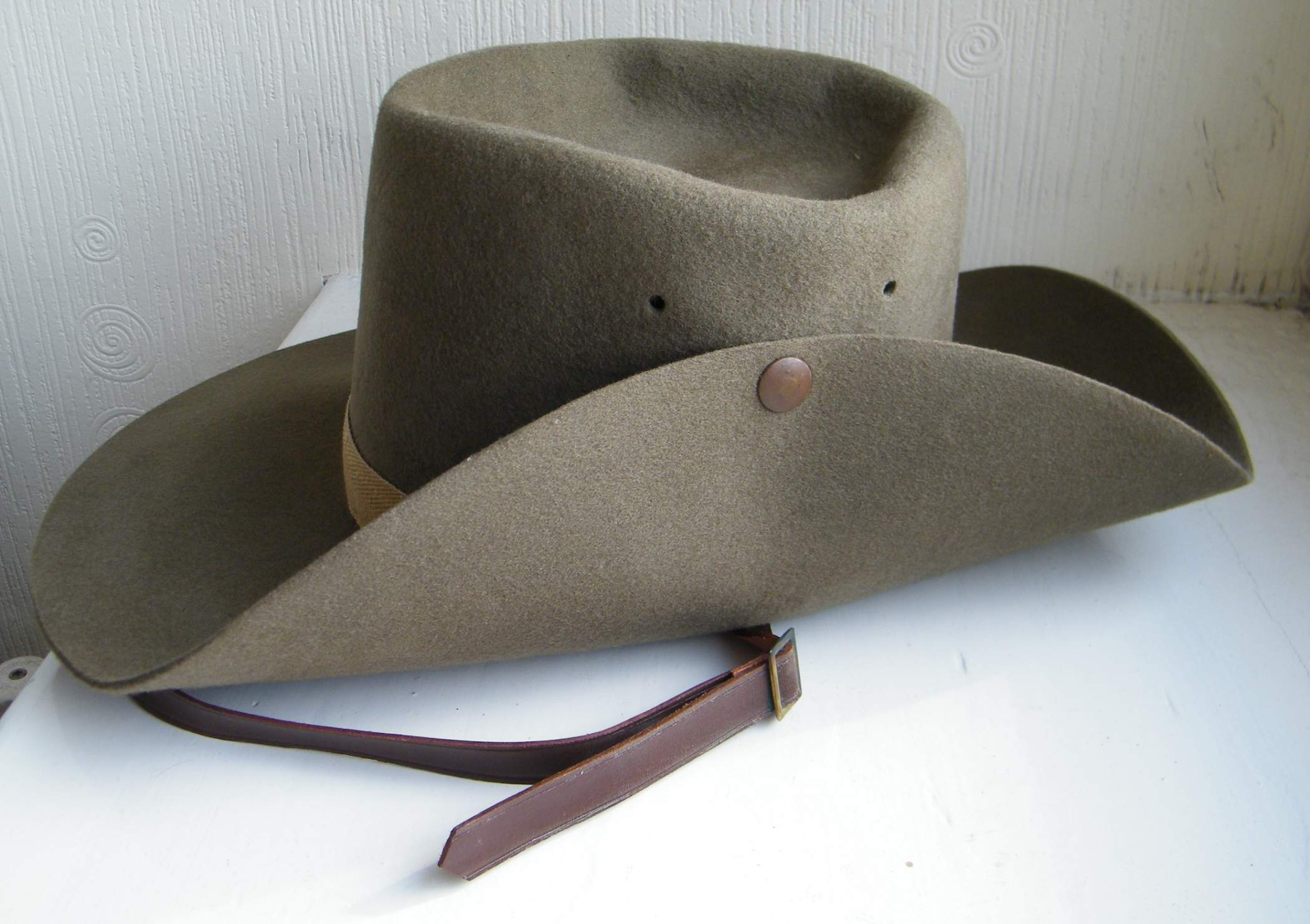 52 dated British made slouch hat 64933cc5e5c