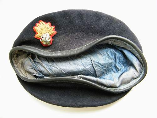 Click image for larger version.  Name:RWF officers beret 1 b.jpg Views:366 Size:220.3 KB ID:728340