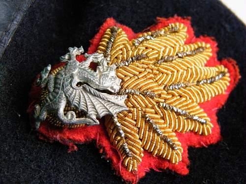 Click image for larger version.  Name:RWF officers beret 3 badge detail b.jpg Views:48 Size:230.0 KB ID:728342