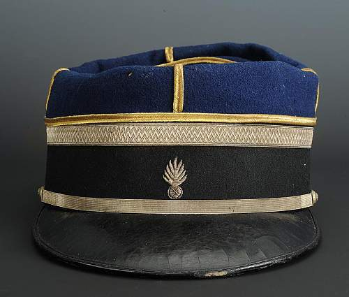 Click image for larger version.  Name:kepi-d-adjudant-de-gendarmerie-modele-1895_1.jpg Views:16 Size:273.1 KB ID:746522