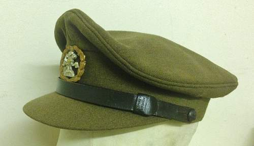 British Officers Cap regiment identification