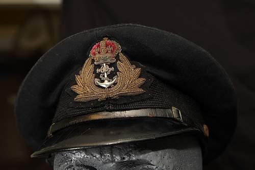 Ww2 Royal Navy junior officer visor?