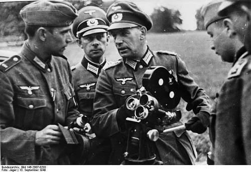 Click image for larger version.  Name:Bundesarchiv_Bild_146-2007-0200,_Frankreich,_Filmberichter.jpg Views:22 Size:66.5 KB ID:1022333