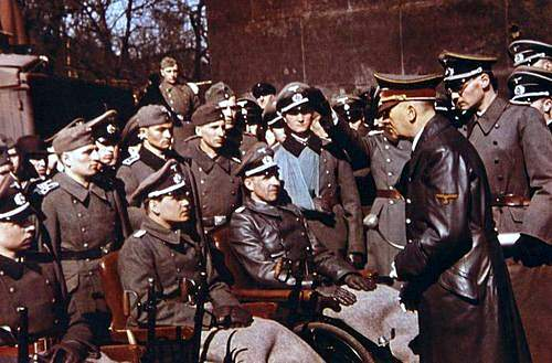 Click image for larger version.  Name:color adolf hitler visiting wounded soldiers in berlin 1943.jpg Views:24 Size:161.4 KB ID:1026463