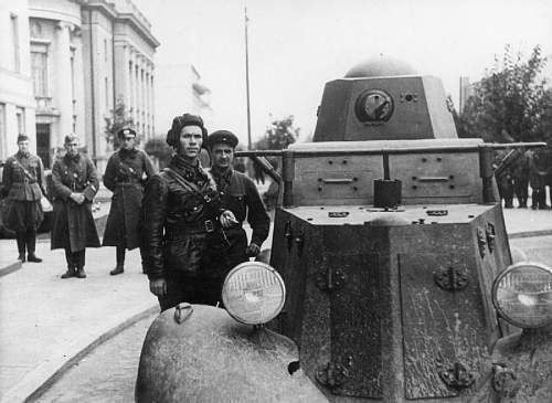 Click image for larger version.  Name:The_Nazi-soviet_Invasion_of_Poland,_1939_HU106367.jpg Views:24 Size:68.8 KB ID:1032180