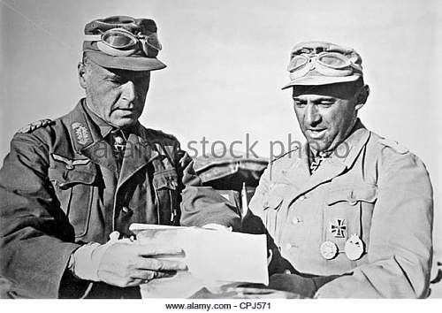 Click image for larger version.  Name:ludwig-cruewell-and-lieutenant-colonel-baierlein-1942-cpj571.jpg Views:45 Size:58.9 KB ID:1046296