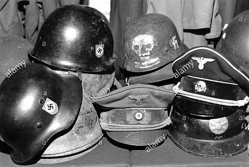 Click image for larger version.  Name:auction-of-hitlers-hat-at-phillips-london-c1980s-artist-sidney-harris-DDMTNH.jpg Views:38 Size:141.5 KB ID:1062270