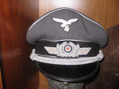 LW officer hat - need advice for finding name