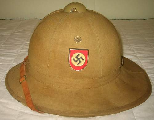 Green 1st pattern Heer pith helmet