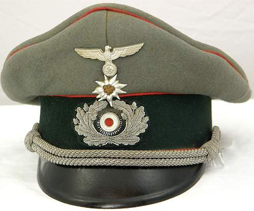 Question about Edelweiss badges on visor caps
