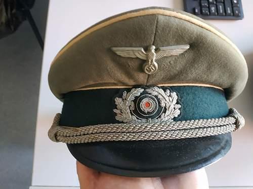 i need help with this visor caps original or fake????