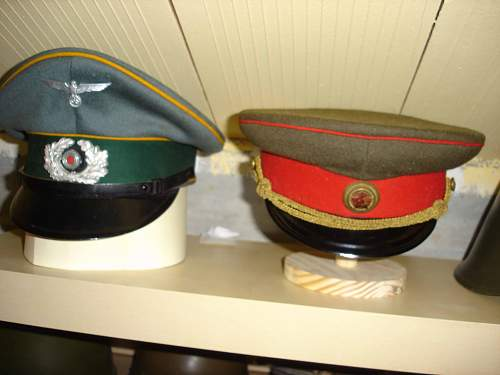 Cap stands