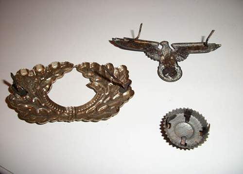 Heer cap metal  insignia ( car boot find)