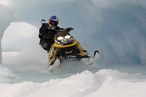 Click image for larger version.  Name:snowmobile-red.jpg Views:551 Size:173.9 KB ID:163731