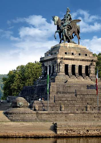Click image for larger version.  Name:Kaiser_Wilhelm_Deu._Eck_Koblenz.jpg Views:171 Size:237.5 KB ID:166479