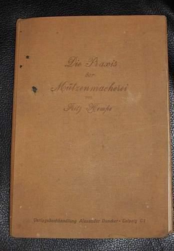 Click image for larger version.  Name:Mützenmacher05-Buch.jpg Views:34 Size:75.0 KB ID:167029