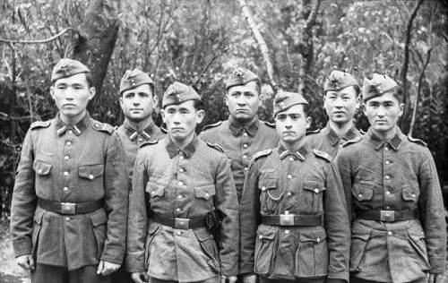 Click image for larger version.  Name:Turkmenische Freiwillige.jpg Views:139 Size:73.1 KB ID:193718