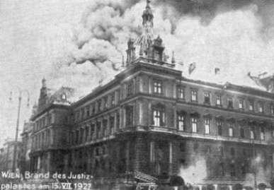 Name:  wienerjustizpalast1927.jpg Views: 485 Size:  14.6 KB