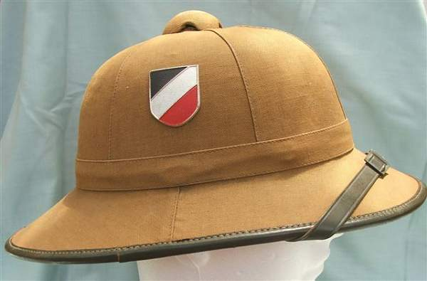 Click image for larger version.  Name:Heer DAK 1st pattern pith helmet 003.jpg Views:60 Size:38.6 KB ID:20729