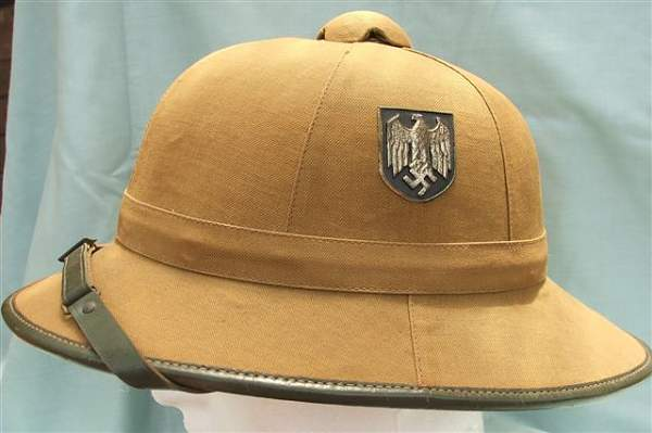 Click image for larger version.  Name:Heer DAK 1st pattern pith helmet 011.jpg Views:215 Size:43.1 KB ID:20732