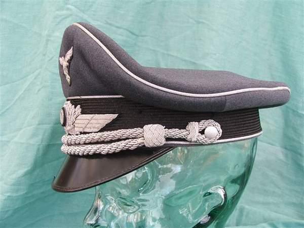 Click image for larger version.  Name:Luftwaffe officer visor cap 003.jpg Views:161 Size:62.4 KB ID:20752