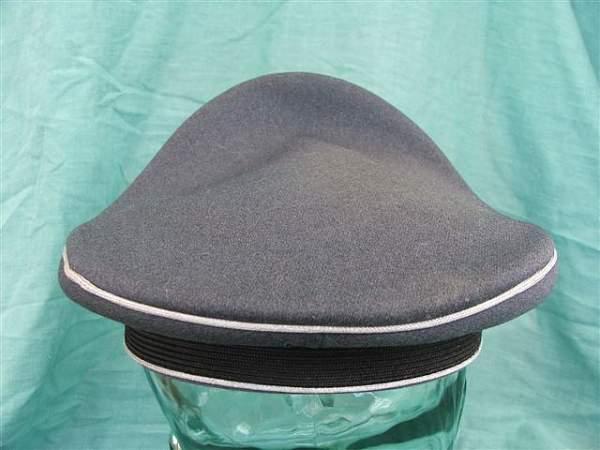 Click image for larger version.  Name:Luftwaffe officer visor cap 007.jpg Views:142 Size:55.7 KB ID:20756