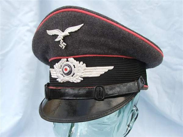Click image for larger version.  Name:Pink piped Luftwaffe visor cap 008.jpg Views:172 Size:54.7 KB ID:20758