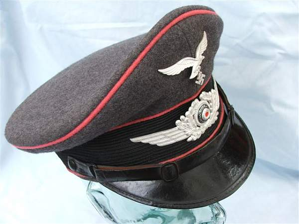 Click image for larger version.  Name:Pink piped Luftwaffe visor cap 018.jpg Views:273 Size:56.5 KB ID:20767