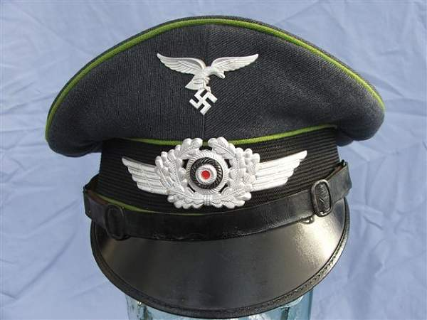 Click image for larger version.  Name:Green piped LW visor cap 018.jpg Views:247 Size:57.7 KB ID:20941
