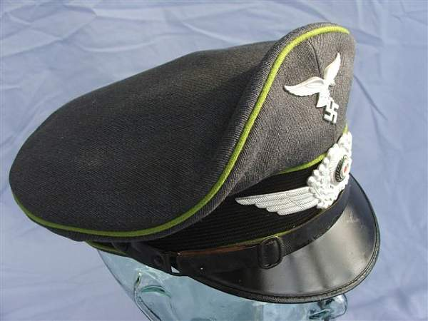 Click image for larger version.  Name:Green piped LW visor cap 023.jpg Views:172 Size:58.0 KB ID:20945