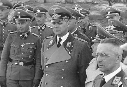 Click image for larger version.  Name:Bundesarchiv_Bild_146-1969-067-01,_Kiew,_Alfred_Meyer,_Erich_Koch,_Alfred_Rosenberg.jpg Views:981 Size:65.2 KB ID:221361