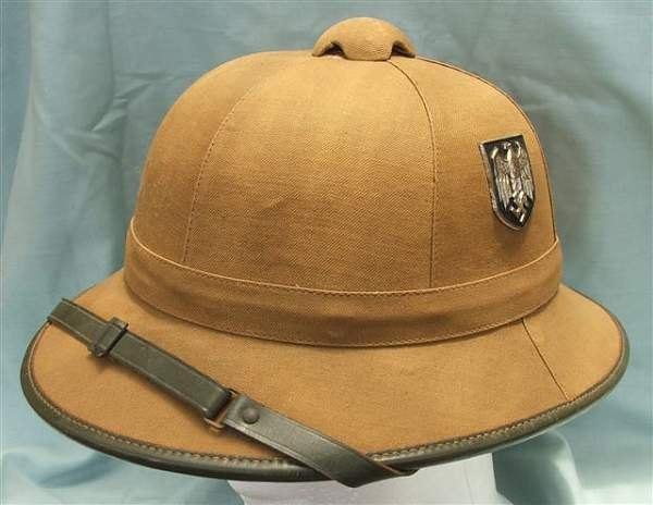 Click image for larger version.  Name:Heer DAK 1st pattern pith helmet 012.jpg Views:43 Size:49.9 KB ID:23536