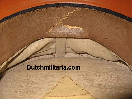Click image for larger version.  Name:Reichsbahn-red-INSIDE-Dutchmilitaria_com.jpg Views:82 Size:189.2 KB ID:254096
