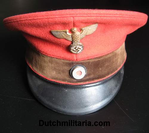 Click image for larger version.  Name:Reichsbahn-red-FRONT-Dutchmilitaria_com.jpg Views:502 Size:105.6 KB ID:254099