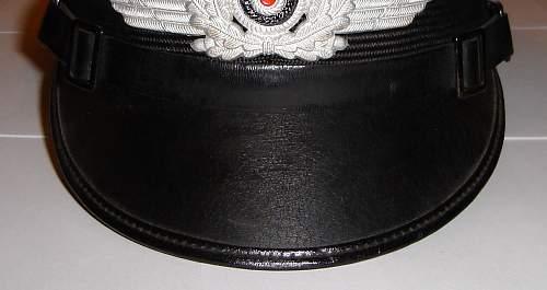 I have a question regarding some Luftwaffe visor cap peaks.