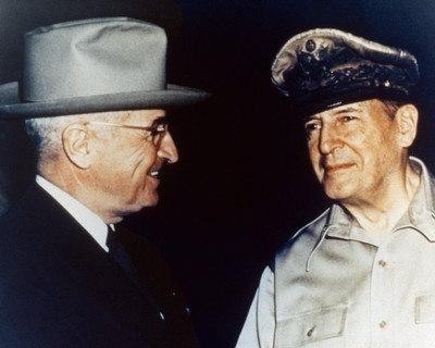 Name:  sp_AAIB026_16x20~Harry-Truman-and-General-Douglas-MacArthur-Posters.jpg Views: 199 Size:  26.5 KB