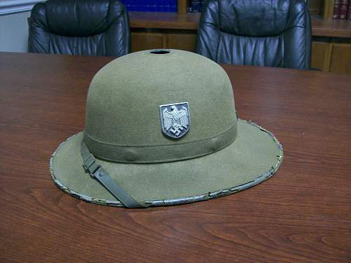Question about Heer Pith Helmet