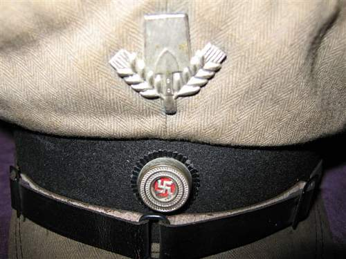 Need help identifying Hat