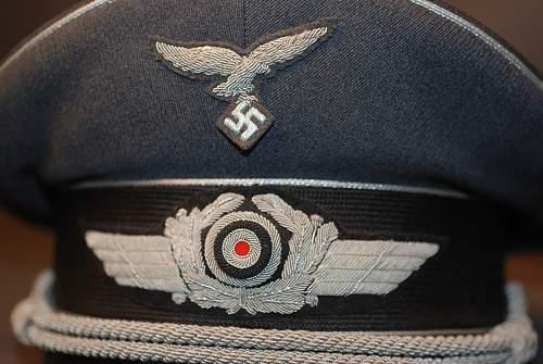 Click image for larger version.  Name:Luftwaffe%20Officer%20visor%20VL-120%20bg2.jpg Views:91 Size:109.5 KB ID:302620