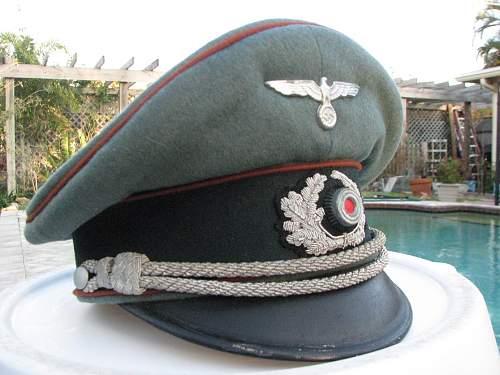 Caps worn by the motorized (kraftfahr) troops