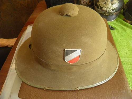 Heer Pith Helmet